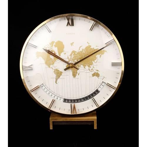 Elegante Reloj Kienzle Automatic con Horario Internacional. Alemania, Años 60