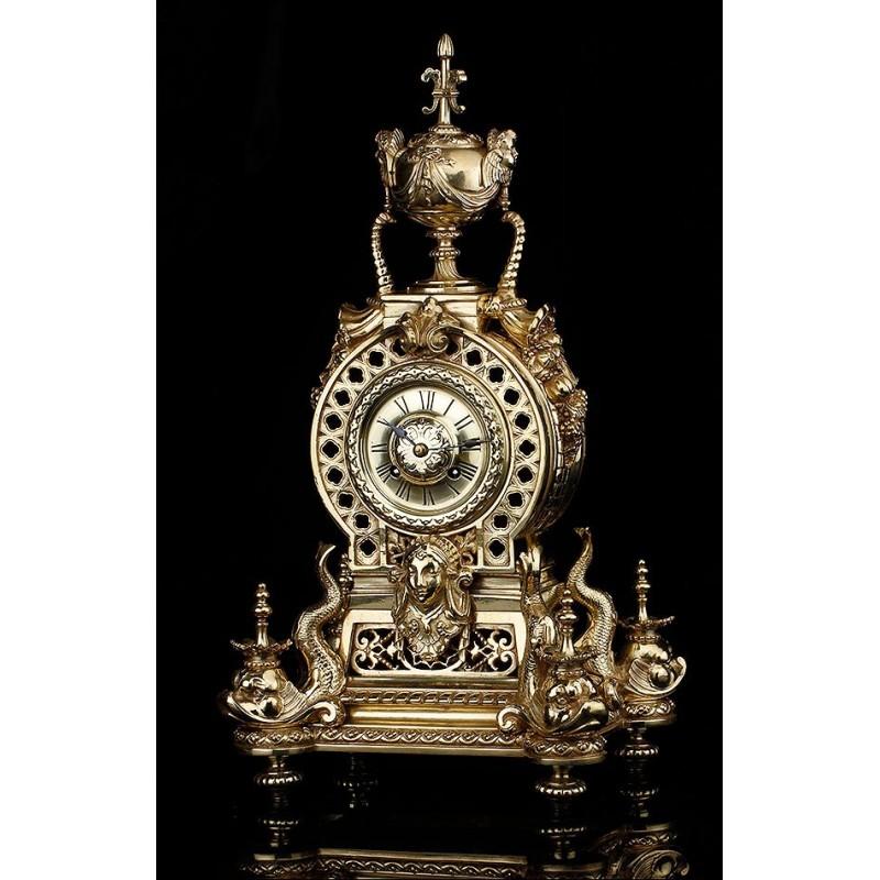 Impresionante Reloj de Bronce de Sobremesa. Maquinaria París de Péndulo. Francia, Siglo XIX