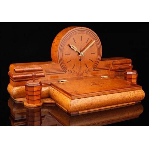 Elegante Reloj Kienzle con Escribanía Muy Bien Conservado. Alemania, Años 30