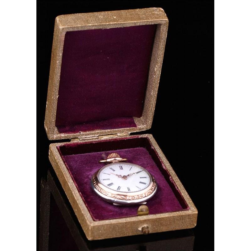 Fantástico Reloj de Señora de Plata Maciza, Tipo Colgante. Alemania, Circa 1900. Con Estuche