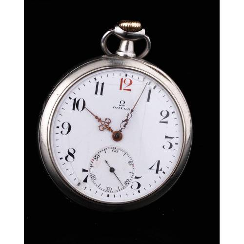 Elegante Reloj de Bolsillo de Plata Marca Omega. Suiza, Circa 1910. Funcionando