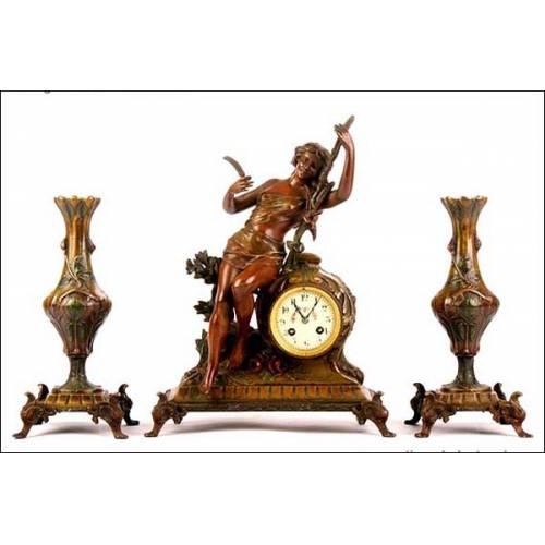Reloj de sobremesa antiguo con guarnición. Sonería. S. XIX