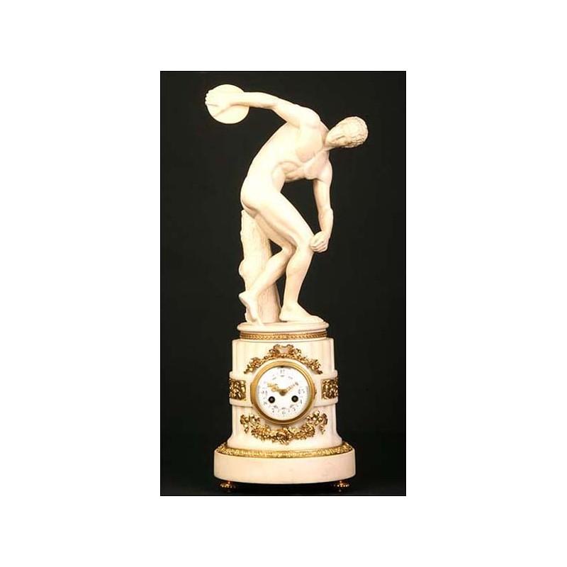 Excelente reloj de sobremesa. 1855. Discóbolo de Mirón