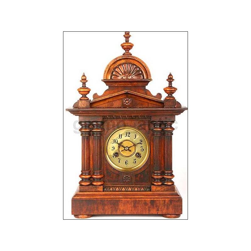 Reloj de sobremesa con sonería Junghans. Nogal. 1900