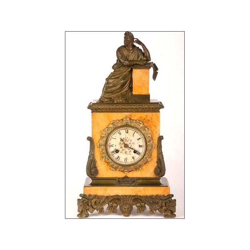 Antiguo reloj francés en bronce y mármol. Firmado. c. 1850