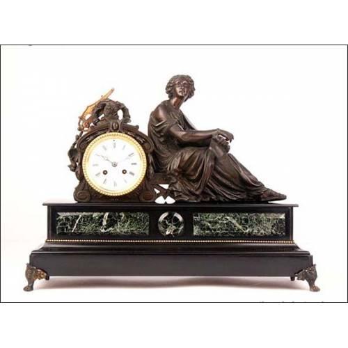 Reloj de péndulo con base de mármol. 1855