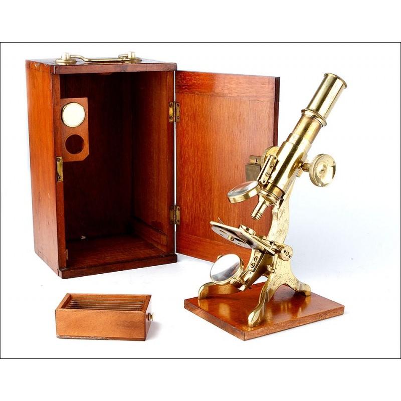 Antiguo Microscopio Monocular en Estado de Funcionamiento. Inglaterra, 1870