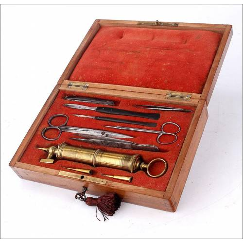 Antiguo Estuche con Instrumental Médico Original. Francia, Circa 1900