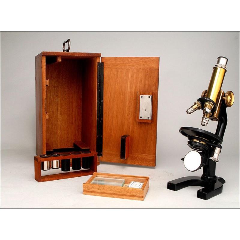 Fantástico Microscopio C. Reichert en Perfecto Estado de Funcionamiento. Viena, Circa 1920