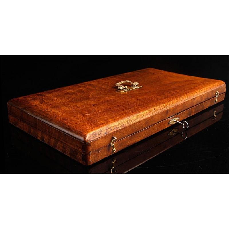 Elegante Estuche de Madera para Instrumental de Cirujano. Circa 1850