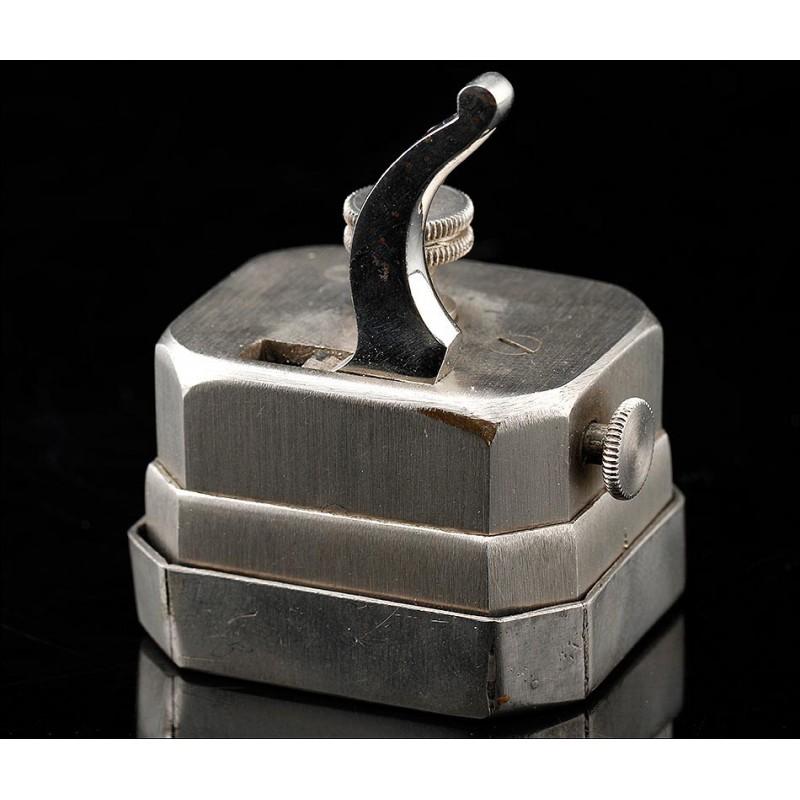 Antiguo Escarificador de Metal para Realizar Sangrías. Alemania, Finales S. XIX