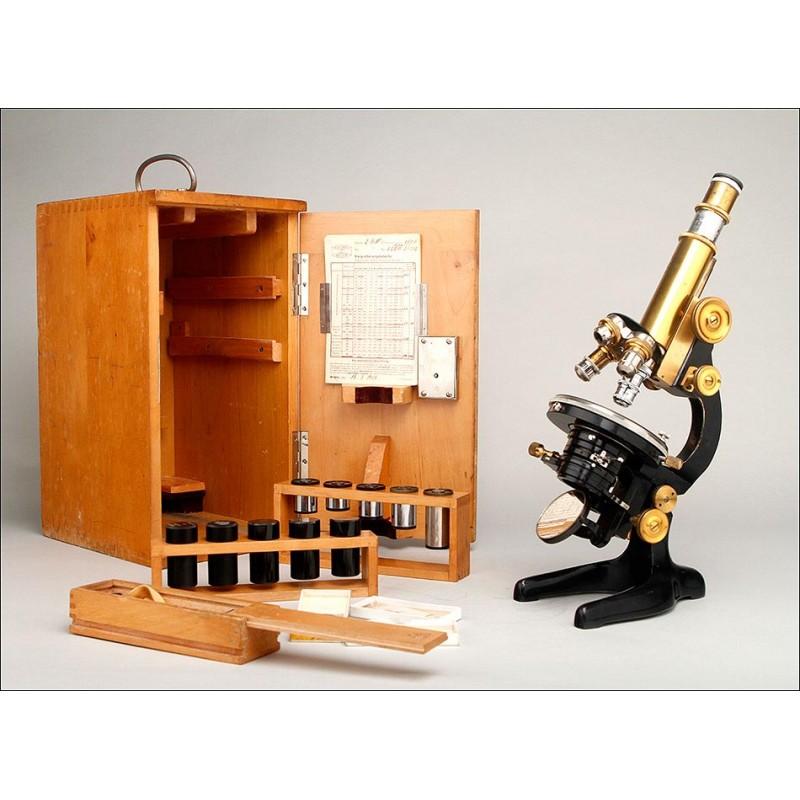 Fantástico Microscopio W. & H. Seibert con Cuatro Lentes. Alemania, 1938