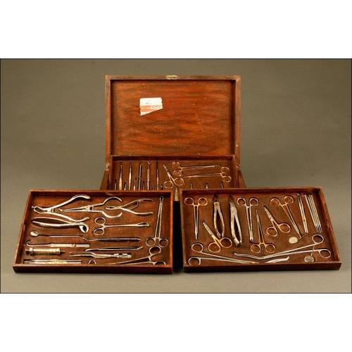 Gran Estuche Completo con Instrumental de Dentista, Circa 1920. Con Tres Bandejas Extraíbles
