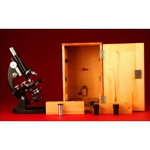 Soberbio Microscopio Winkel - Zeiss de Göttingen. Años 50 del s. XX