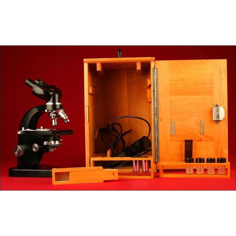 Elegante Microscopio Binocular Ernst Leits Wetzlar. Años 50