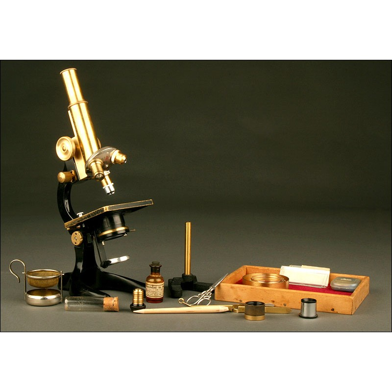 Antiguo Microscopio Alemán W&H Seibert de 1.910. Con Accesorios para Preparación de Muestras