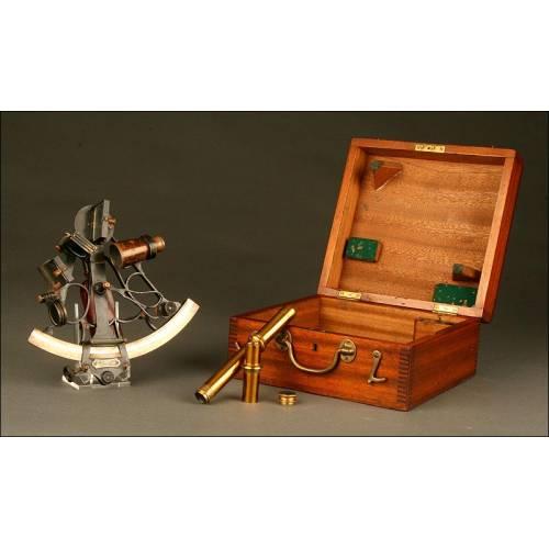 Completo Sextante Marino de Principios del Siglo XX, con su Caja de Madera y Llave Original
