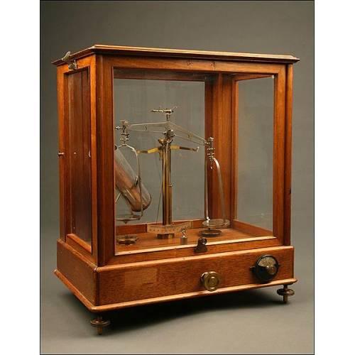 Balanza de Precisión para Pesar Grano JOS NEMETZ. Viena, ca. 1900. En Buen Estado.