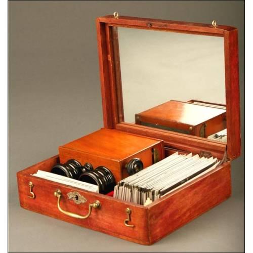 Antiguo Estereoscopio con Varios Cristales Estereoscópicos. Años 20.