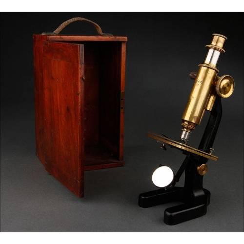 Microscopio Alemán de Estudiante Fabricado por Busch en 1890. Con Estuche Original de Caoba