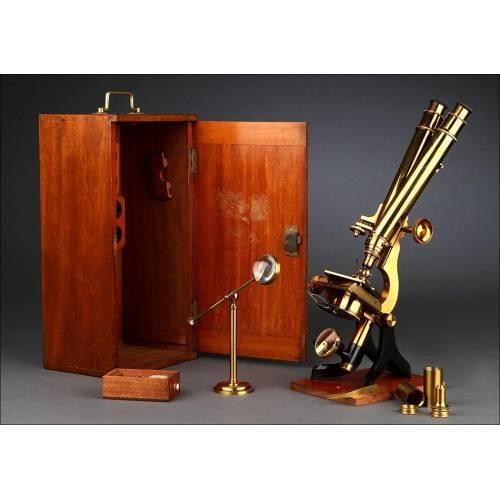 Magnífico Microscopio Binocular Inglés de Latón, Circa1870. Muy Bien Conservado y Funcionando