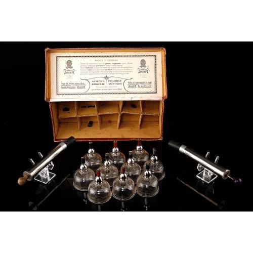 Juego Francés de Ventosas para Uso Médico Fabricado en 1920-30. En Caja Original y con Dos Bombas de Vacío