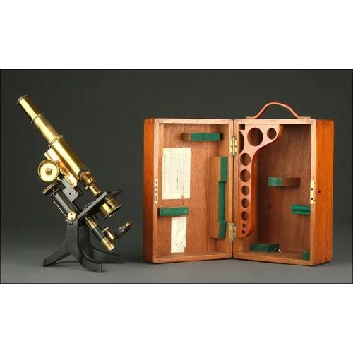 Magnífico Microscopio Inglés Swift & Son, del Año 1890 en su Estuche Original. Funcionando Perfectamente