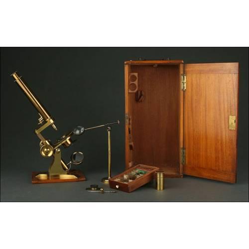 Exclusivo Microscopio Inglés de Latón Dorado, 1860. Muy Bien Conservado y Funcionando