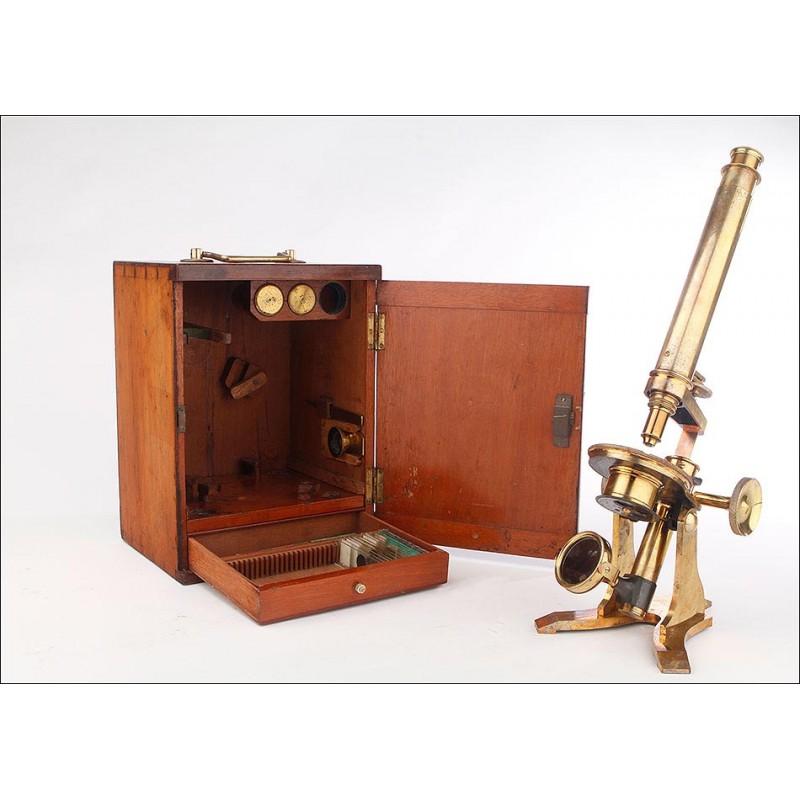 Antiguo Microscopio de Latón en Buen Estado y Funcionando. Inglaterra, Circa 1870