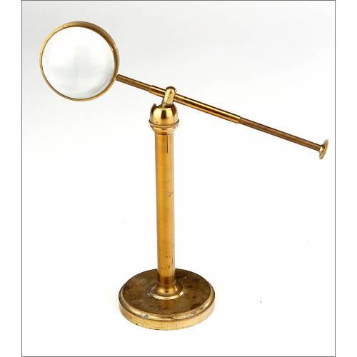 Antiguo Concentrador de Luz Telescópico para Microscopio en Excelente Estado. Siglo XIX