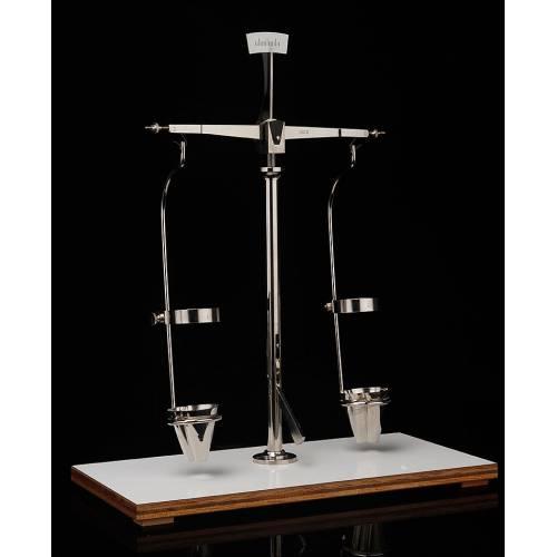 Atractiva Balanza de Precisión para Centrifugadora. España, Años 50