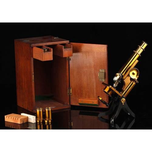 Antiguo Microscopio Henry Crouch en Estuche Original. Inglaterra, Circa 1910. En Buen Estado