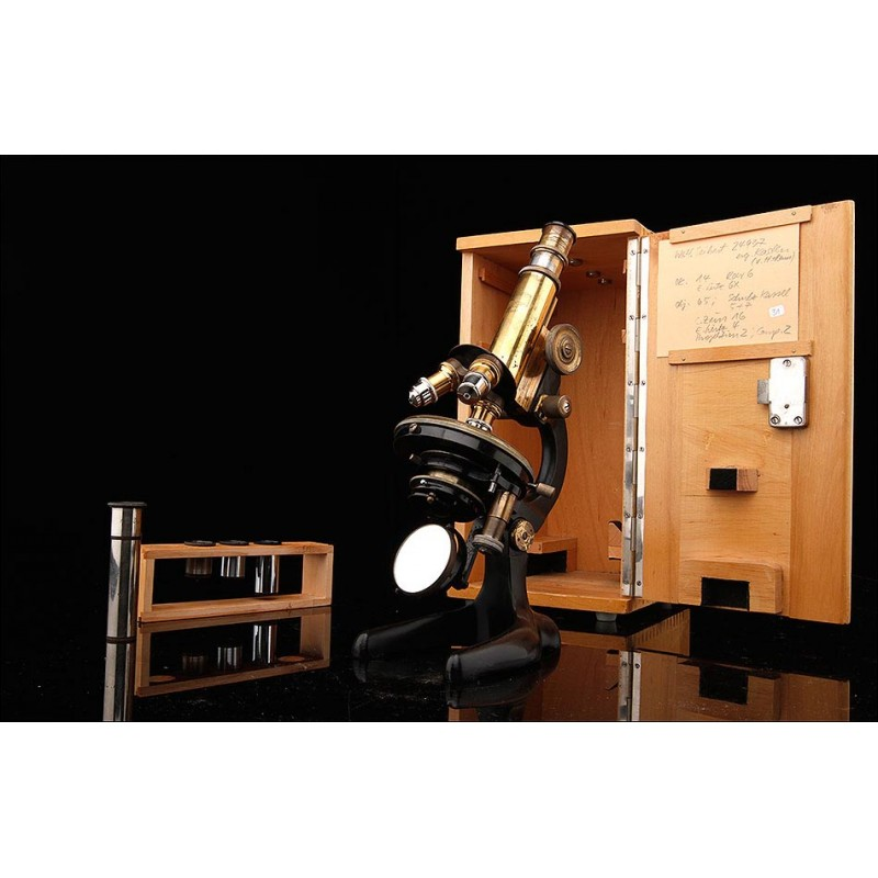 Microscopio Original Seibert Wetlzar Fabricado en Alemania en los Años 20. Funcionando y con Estuche Original