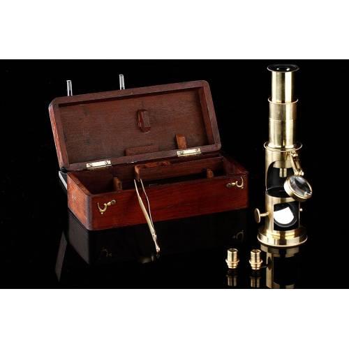 Microscopio de Tambor para Estudiantes del Año 1900. En Excelente Estado y con Estuche Original