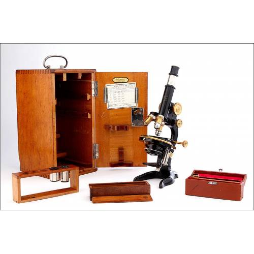 Magnífico Microscopio E. Leitz en Óptimo Estado de Funcionamiento. Alemania, 1912