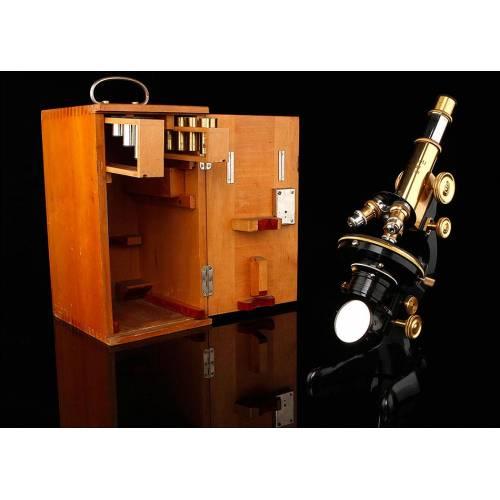 Microscopio Leitz Wetlzar con Estuche Original y Funcionando. Alemania, 1922