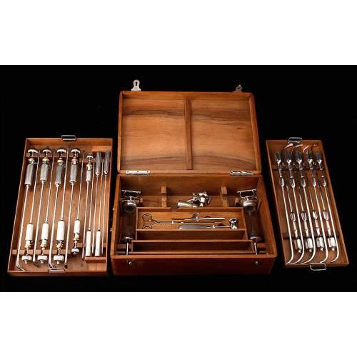 Impresionante Set de Instrumental de Urología, Muy Bien Conservado. Circa 1880