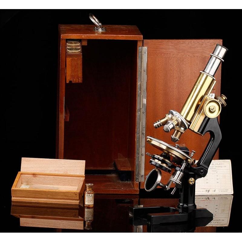 Microscopio C. Reichert en Estuche Original. Viena, 1916. Completo y en Funcionamiento