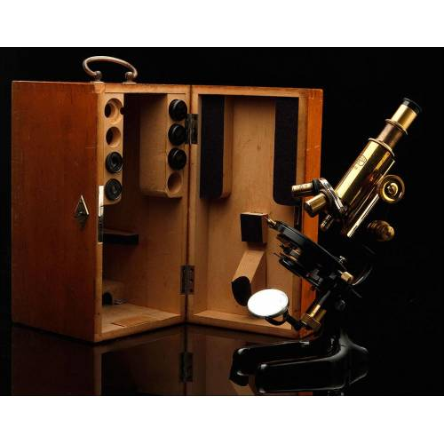 Antiguo Microscopio Carl Zeiss En Buen Estado y Funcionando. Alemania, Años 20 del Siglo XX.