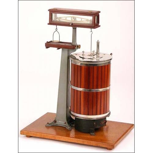 Rarísima escala de precisión de laboratorio. 1920