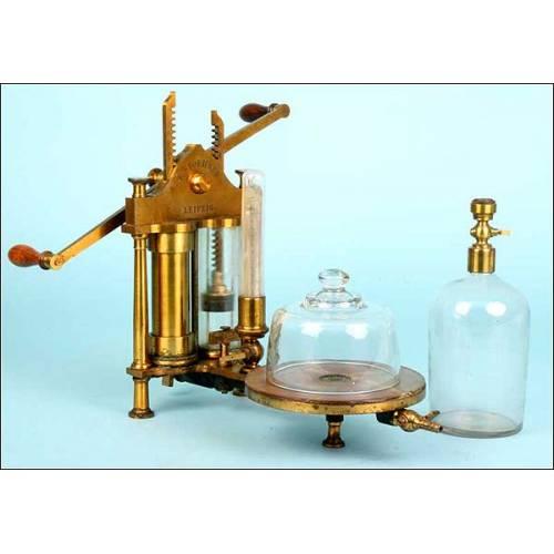 Bomba de vacío de laboratorio. 1900