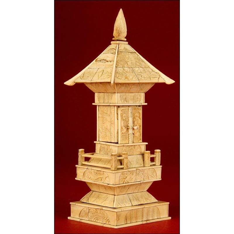 Preciosa Pagoda de Marfil China, Dinastía Qing del s. XIX. En Buen Estado. Tallada a Mano
