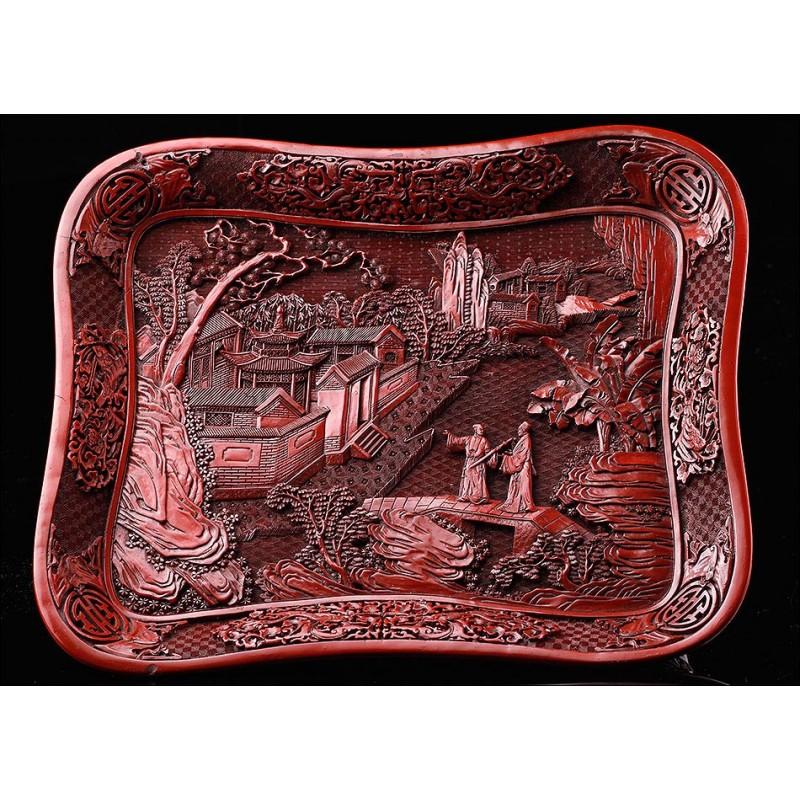 Antigua Bandeja China de Madera Tallada y Lacada. Original del Siglo XIX. Muy Buen Estado