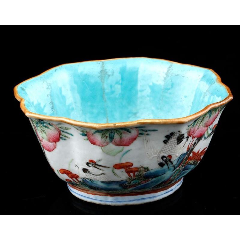 Antiguo Cuenco de Porcelana Pintada a Mano. Época Tongzhi. China, Siglo XIX