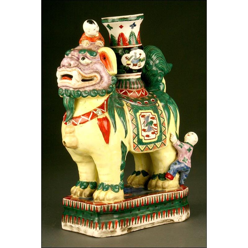Rarísimo Vaso de Porcelana China del S. XIX. Familia Verde. Pieza Excepcional