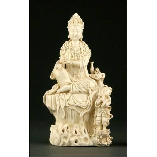 Kwan Yin en Porcelana China Blanc de China. Periodo Qing. Perfecta