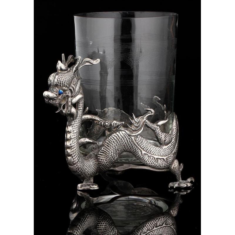 Taza China Realizada en Plata Maciza y Cristal en el Siglo XIX. Elegante y Bien Conservada