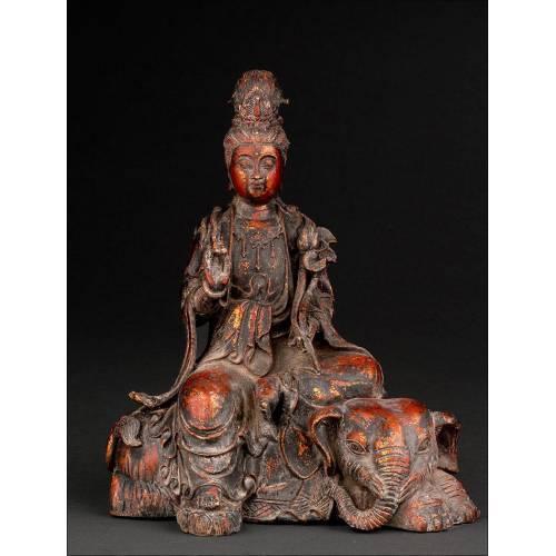 Antiguo Buda Chino en Metal Dorado. Marca de Xuande en la Parte Posterior