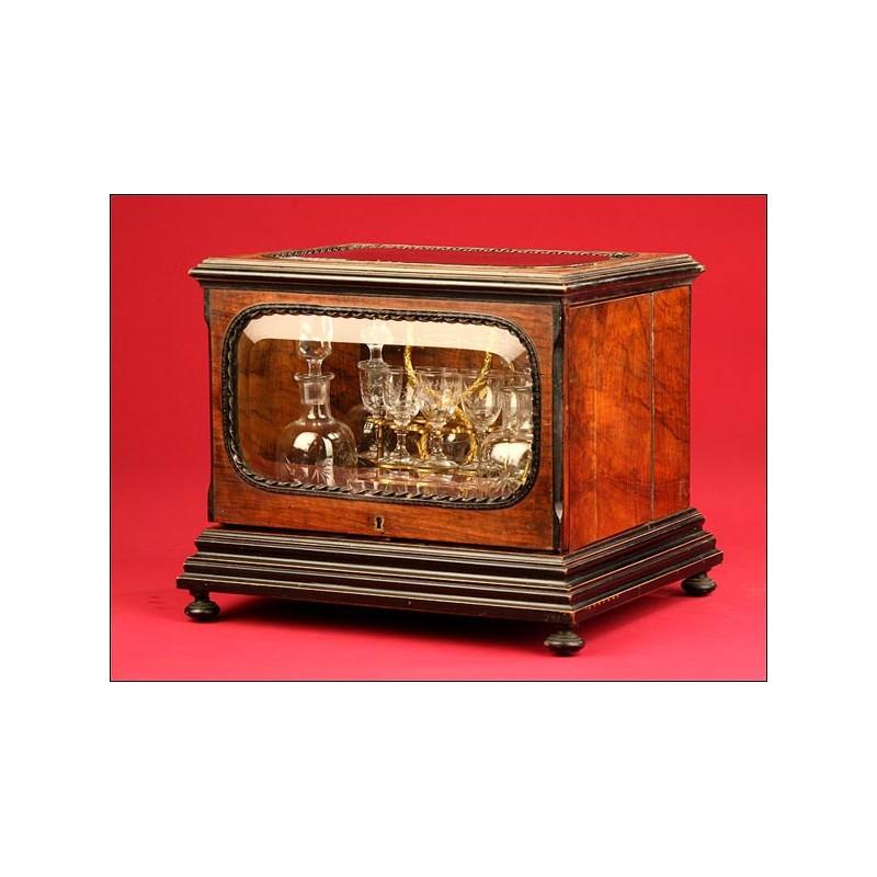 Preciosa Licorera Francesa de Cristal con Caja de Madera. S.XIX