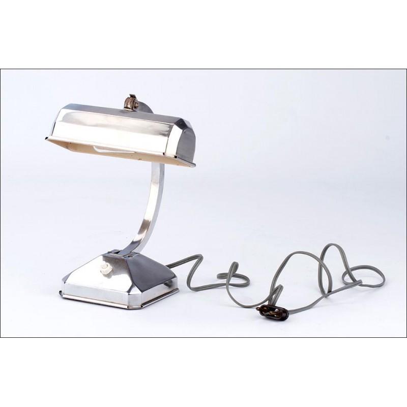Preciosa Lámpara de Despacho de Estilo Industrial. Años 50
